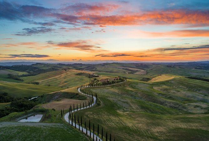 Tra natura, arte e fede: 5 itinerari tra le zone più belle della Toscana